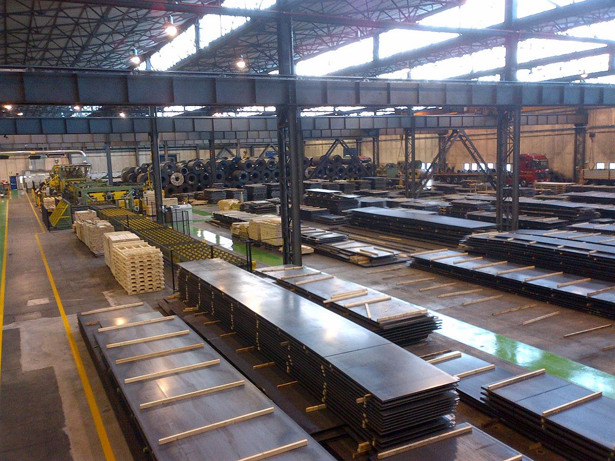 Lamiere-lastre-di-acciaio-carbonio-da-coils-siderurgica-1221_presentazione-magazzino-sidastico